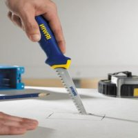 Как резать гипсокартон в домашних условиях: рассмотрим инструменты, чем лучше резать гипсокартон