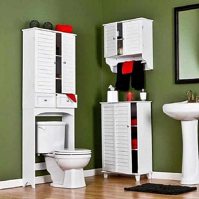Несколько неплохих вариантов компактных шкафов для ванной комнаты.
