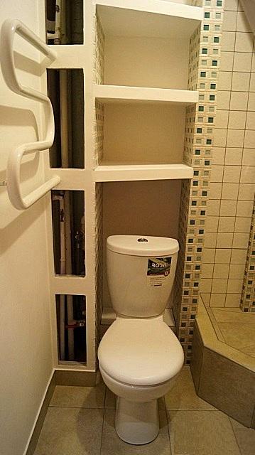 Еще на этапе подготовки помещения к отделке часто предусматривают встроенные ниши, пространство которых можно полезно использовать