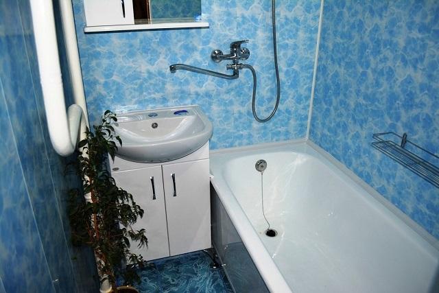 Темы «воды» являются одними из наиболее популярных при оформлении ванных