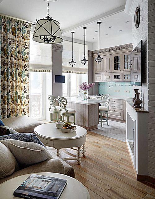 Объединенная кухня гостиная с явным оформительским направлением к стилю «прованс»