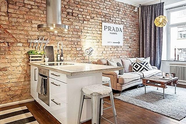 Ничего лишнего, и все подчеркнуто «простое» — кухня–гостиная в стиле «лофт»