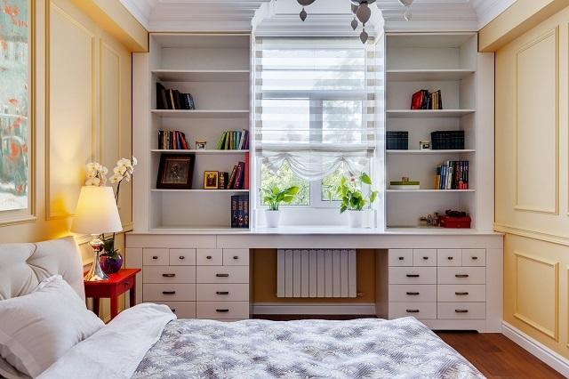 «Резервом» полезного пространства могут стать обычно незадействуемые области вокруг оконных и дверных проемов