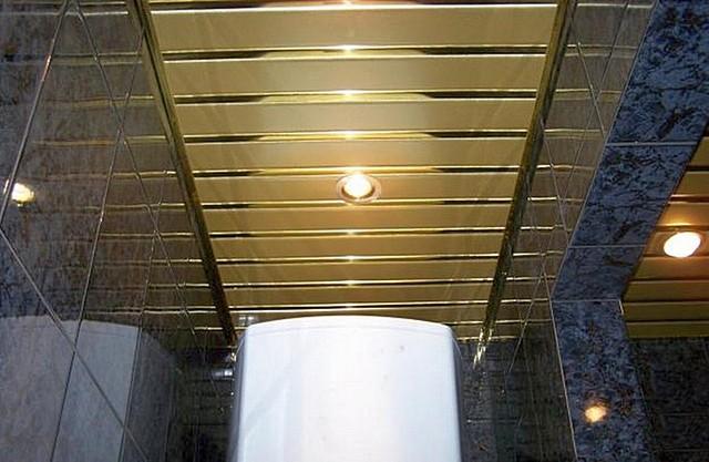 Высокие показатели декоративности и практичности свойственны реечным потолкам