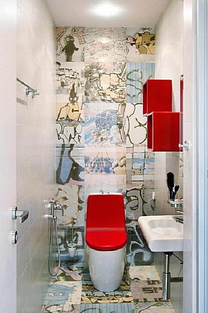 Использование оригинальной, неповторяющейся плитки на задней стене придает помещению особую своеобразность