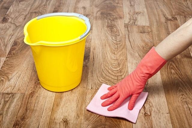 Ламинат прост в уходе – достаточно пылесоса или лёгкой влажной уборки