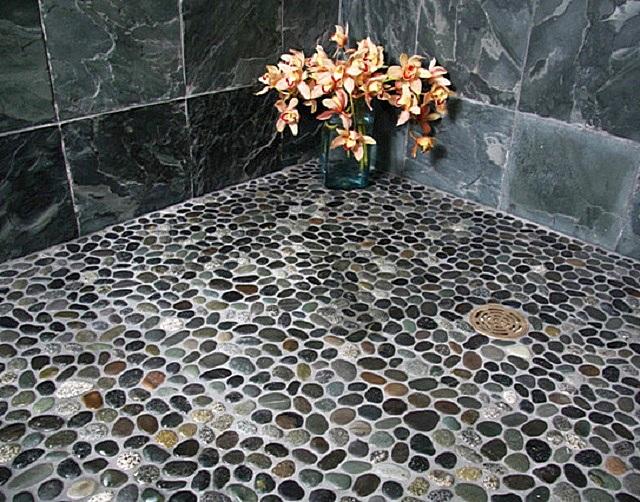 Мозаика из натурального камня.