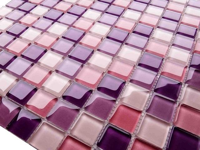 Гибкая мозаичная плитка из смальты на сетчатой основе.