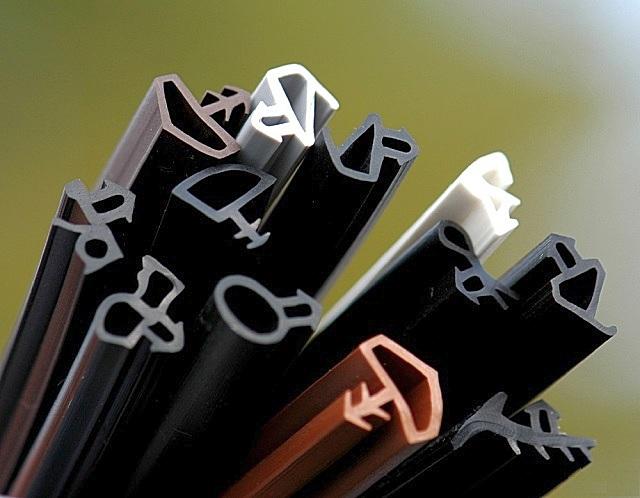 Пристального внимания требует и качество уплотнителей – далеко не все материалы обладают высокими эксплуатационными характеристиками.