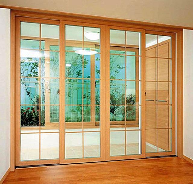 Бренд «LG» — это отнюдь не только электроника и бытовая техника. В ассортименте компании – и оригинальные пластиковые профили для оконных и дверных систем.