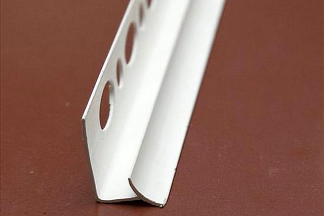 Профиль для отделки внутреннего угла кафельной клаки