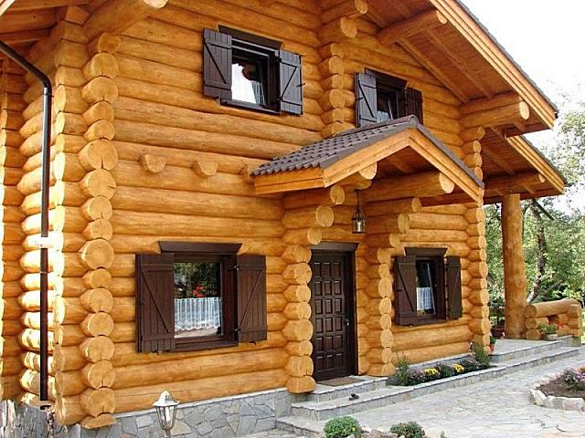 Натуральная древесина была и, видимо, всегда будет в числе наиболее востребованных материалов для индивидуального жилищного строительства.