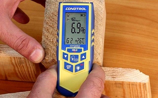 Влажность древесины, выбираемой для постройки дома, не должна превышать значение в 22%.