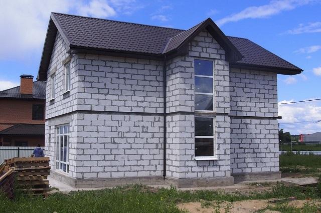 Дом, выстроенный из газобетонных блоков