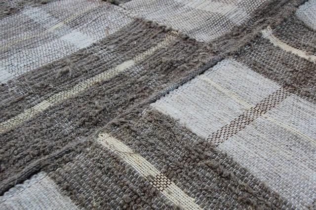 Комбинированные напольные покрытия изо льна и джута или сизали.