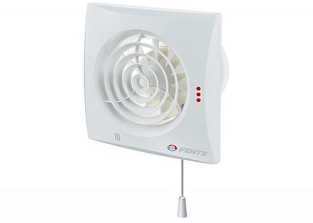 Вентилятор со шнурком – не лучший вариант для ванной комнаты. Здесь рекомендуется выполнять подключение через обычный настенный выключатель.