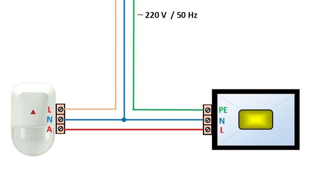 Простейшая схема коммутации датчика движения и осветительного прибора