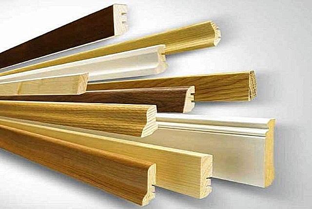 Выбор деревянных плинтусов тоже имеет определенные нюансы