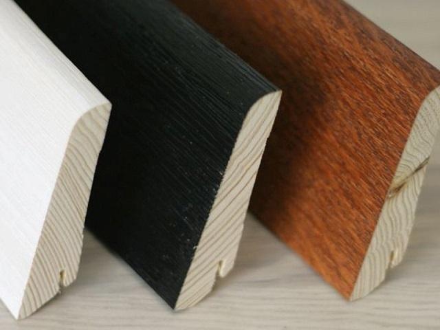 Шпонированные деревянные плинтусы.