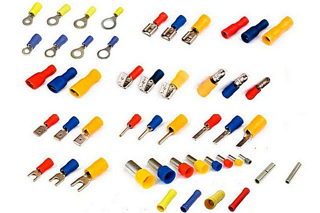 Для соединения многожильных проводников в клеммах должны применяться спецальные обжимные кабельные наконечники