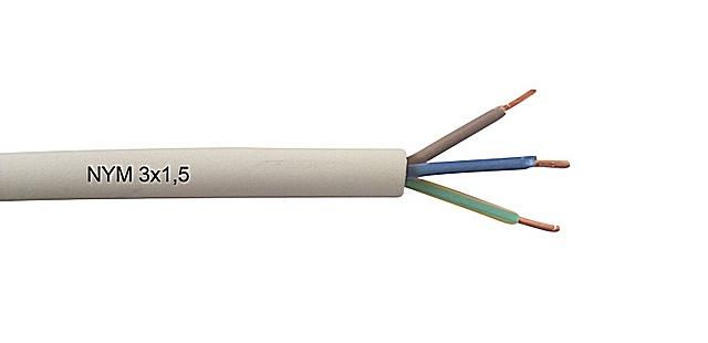 Трехжильный кабель NYM 3×1,5 в характерной для него оплетке белого цвета