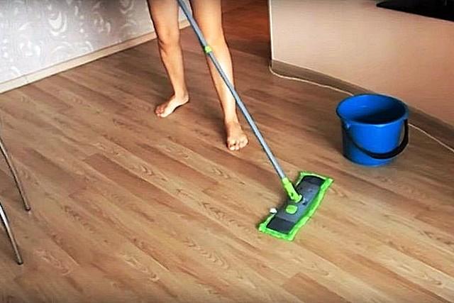 Чем оттереть зеленку с линолеума: как вывести, удалить, убрать, чем можно стереть, очистить, оттереть, смыть, отмыть, как избавиться на фото и видео