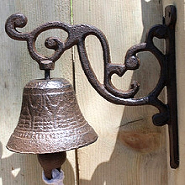 Механический вариант звонка, использовавшийся с незапамятных времён
