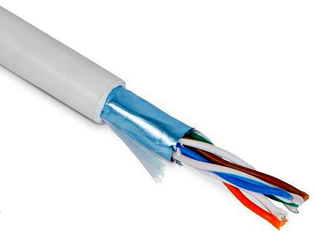 Кабель FTP вполне может соседствовать с силовой линией – экранирование защитит от возможных помех