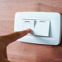 Как подключить выключатель