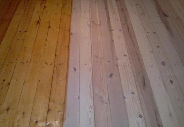Очищенный от старой краски и верхнего потемневшего слоя древесины дощатый пол, покрываемый лаком. Практически – как новый…