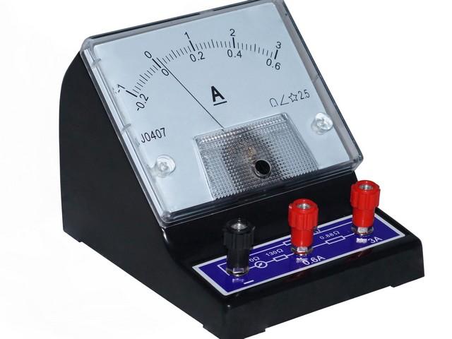 Лабораторный амперметр – ограниченность в функциональных возможностях делает такие приборы невостребованными для домашнего хозяйства.