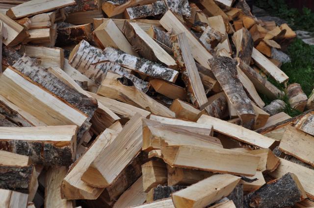 Дрова и в XXI веке являются ценным видом твердого топлива