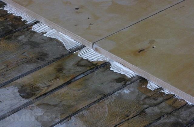 Фиксация фанеры на строительный клей ПВА.
