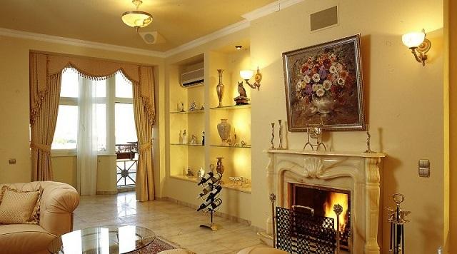 Освещение гостиной, стиль оформления которой приближен к нестареющей «классике».