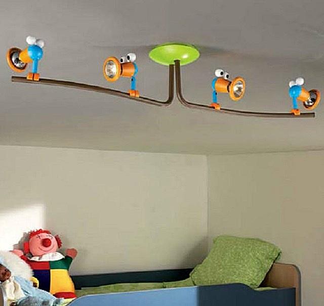 Споты для детской комнаты, закрепляемые на кронштейнах.