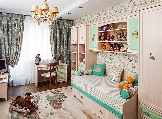 Комната, оформление которой выдержано в пастельных оттенках.