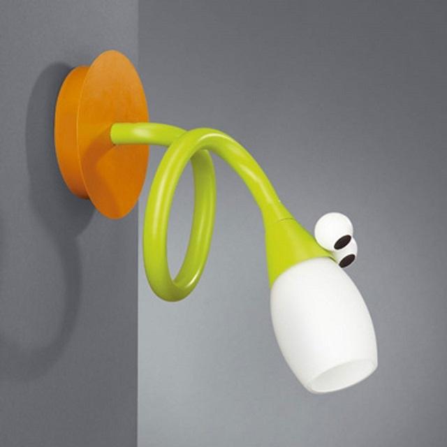 Светильник с регулировкой направления света.