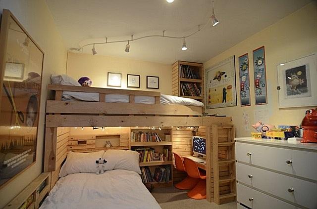 Освещение спальной зоны детской комнаты для двоих детей.