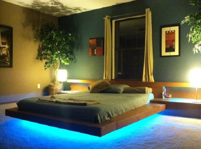 При подсветке кровати снизу создается эффект ее «парения» над поверхностью пола.