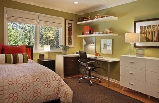 Освещение в спальне, так же, как и в других комнатах квартиры, требует определенного зонирования.