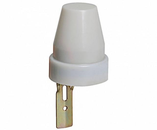Датчик освещенности или фотореле – срабатывает на замыкание цепи при падении освещенности ниже установленной границы