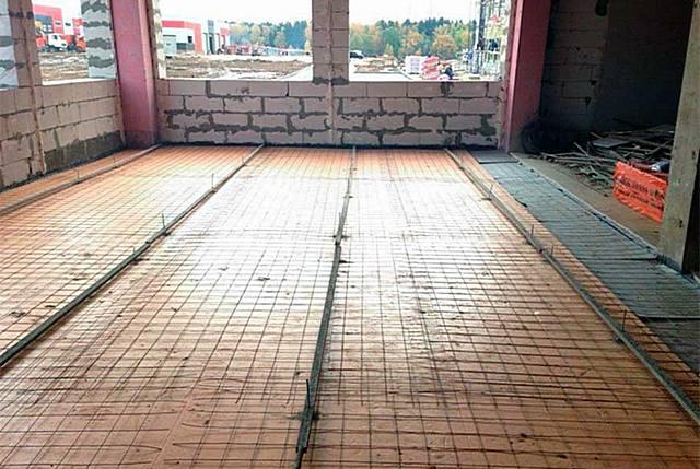 Утепление пола под стяжку: утеплитель, теплоизоляция, чем утеплить, пеноплекс под бетонную стяжку своими руками, по бетону, фото и видео