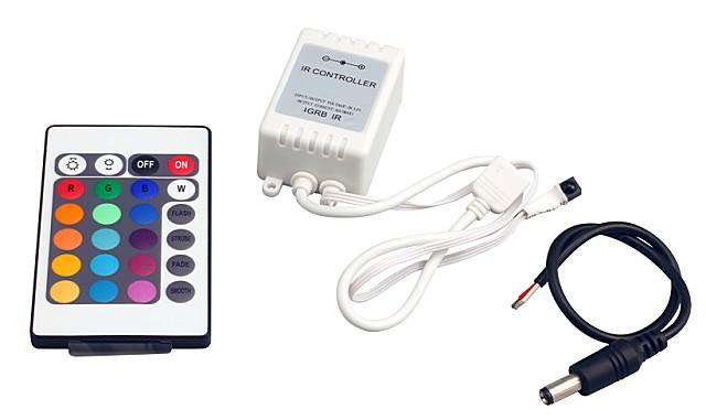 Блок питания с контроллером, соединительный кабель и пульт дистанционного управления светодиодной лентой типа RGB.