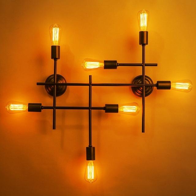 Очень оригинальная модель настенного многорожкового светильника, хорошо подходящая для стиля «лофт»