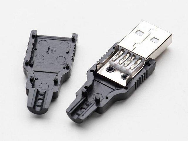 Одна из моделей разборных штекеров USB-2 для самостоятельного монтажа