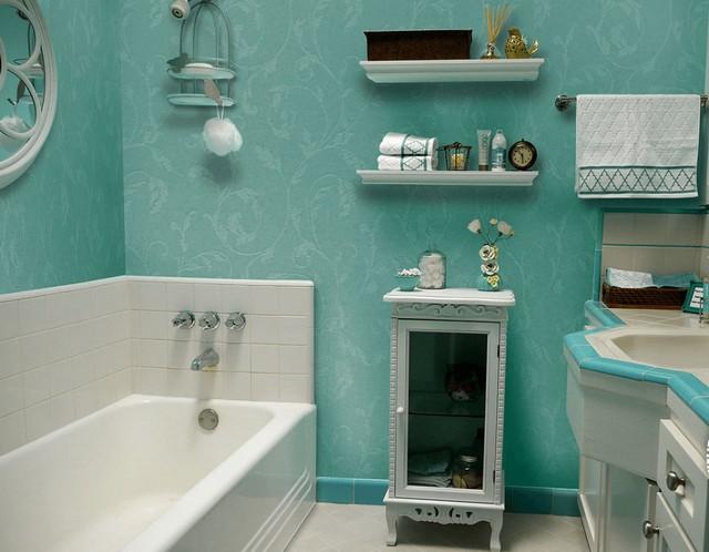 Стеклообои безо всякого опасения можно использовать для отделки ванной комнаты. Главное – чтобы влаги так же не боялась наносимая на них краска.
