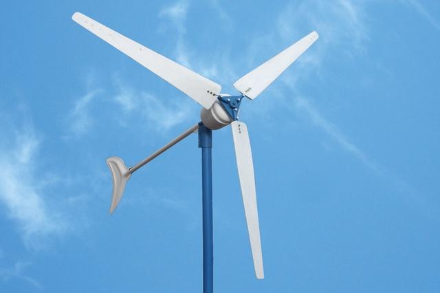 Среди великого многообразия моделей горизонтальных ветряков преобладают все же трехлопастные.