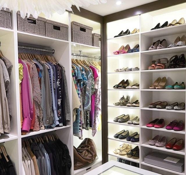 Большое количество обуви, соответственно, потребует выделения большего количества полок.