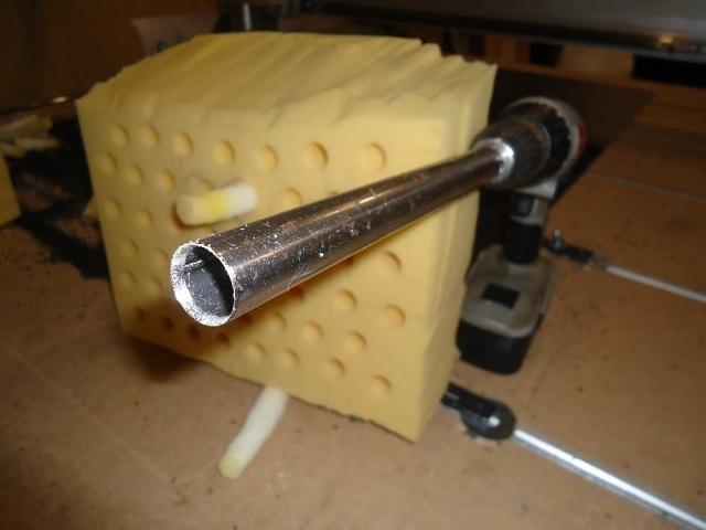 Острая режущая цилиндрическая насадка для просверливания отверстий в поролоне и других мягких материалах — цифенбор.