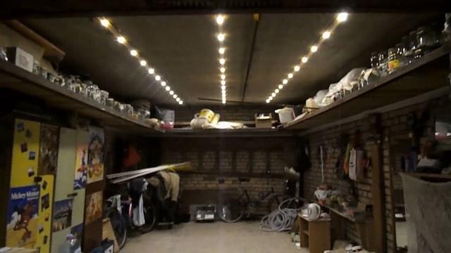 Хотим мы этого или нет, но гараж всегда является зоной повышенной пожароопасности. И это обязательно учитывается при создании системы освещения.
